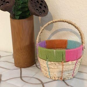 Wicker yarn basket